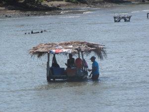 Pyykinpesupaikka Nicaraguajärvellä.