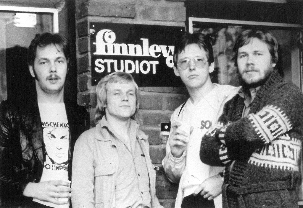 Prinsessa Kultakutri on levyttänyt. Kuvassa vasemmalta Harri Heiniö, Raul Reiman, Harri Salminen ja Markku Urhonen.