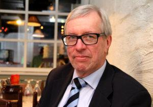 Sosionomi Heikki Partanen on pärjännyt koko virkamiesuransa ilman minkään puolueen jäsenkirjaa. Sitä ei ole kunnolla edes häneltä kysytty.