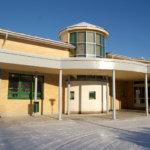 Keskustan koulusta siirretään oppilaita Viialan kirjastoon