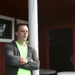 Frisbeegolf houkuttelee Savikoskelle kesän aikana satoja pelaajia
