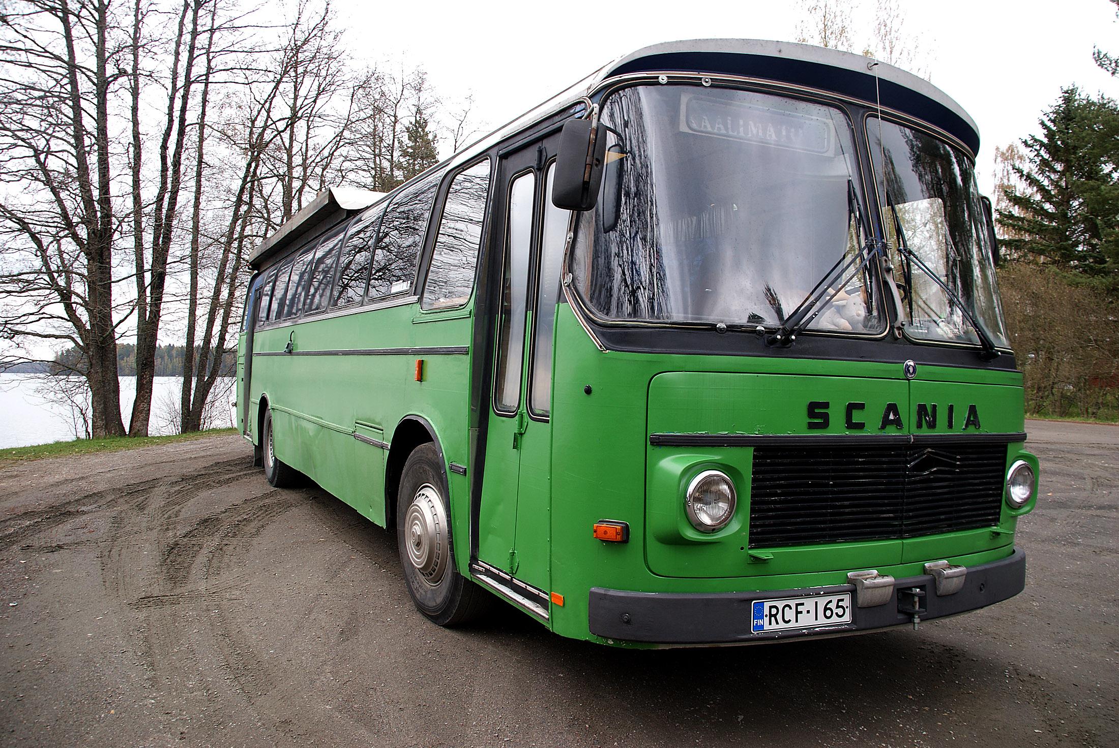 Linjaauto matkailuauto