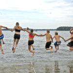 Akaan hyväkuntoiset uimarannat keräävät kehuja ja kansaa