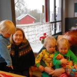 MLL:n Kylmäkosken perhekahvilassa ihmeteltiin valtion suhtautumista lapsiperheisiin