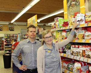 Hanna ja Matti Mattelmäen mukaan valikoima on yksi K-market Maukkaan vahvuus, mikä näkyy esimerkiksi gluteenittomien tuotteiden valikoimassa.