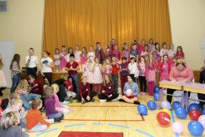 Nahkialan koulun muotinäytökseen osallistui yli 40 mallia.