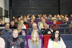Satakunta osallistujaa oli mukana viljelijöille suunnatussa koulutuspäivässä Toijalan yhteiskoulun auditoriossa.
