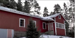 Kylmäkosken työväentalon peltikatto uusittiin viime keväänä työväenyhdistyksen saaman 40 000 euron korjausavustuksen turvin. Talo avautuu talvikauden jälkeen jälleen huhtikuussa.
