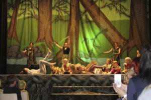 Näytöksessä oli mukana myös Show Teamin nuorimpia tanssijoita. Kuva: Oona Eskeli.