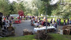 Näkymä2016 avattiin yleisölle perjantaina Näkymä-taloksi muuttuuneen entisen Tietotalon pihalla. Kuva: Mikko Peltoniemi