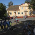 Konsulttien raportti esittää usean koulun lakkauttamista