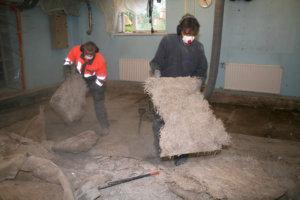 Kirkonkylän koulun kellarikerroksen teknisen työn luokkaa korjattiin kesällä 2013.