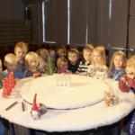 Lapset saivat osallistua Teatteri Mukamaksen jouluesitykseen laulaen ja leikkien