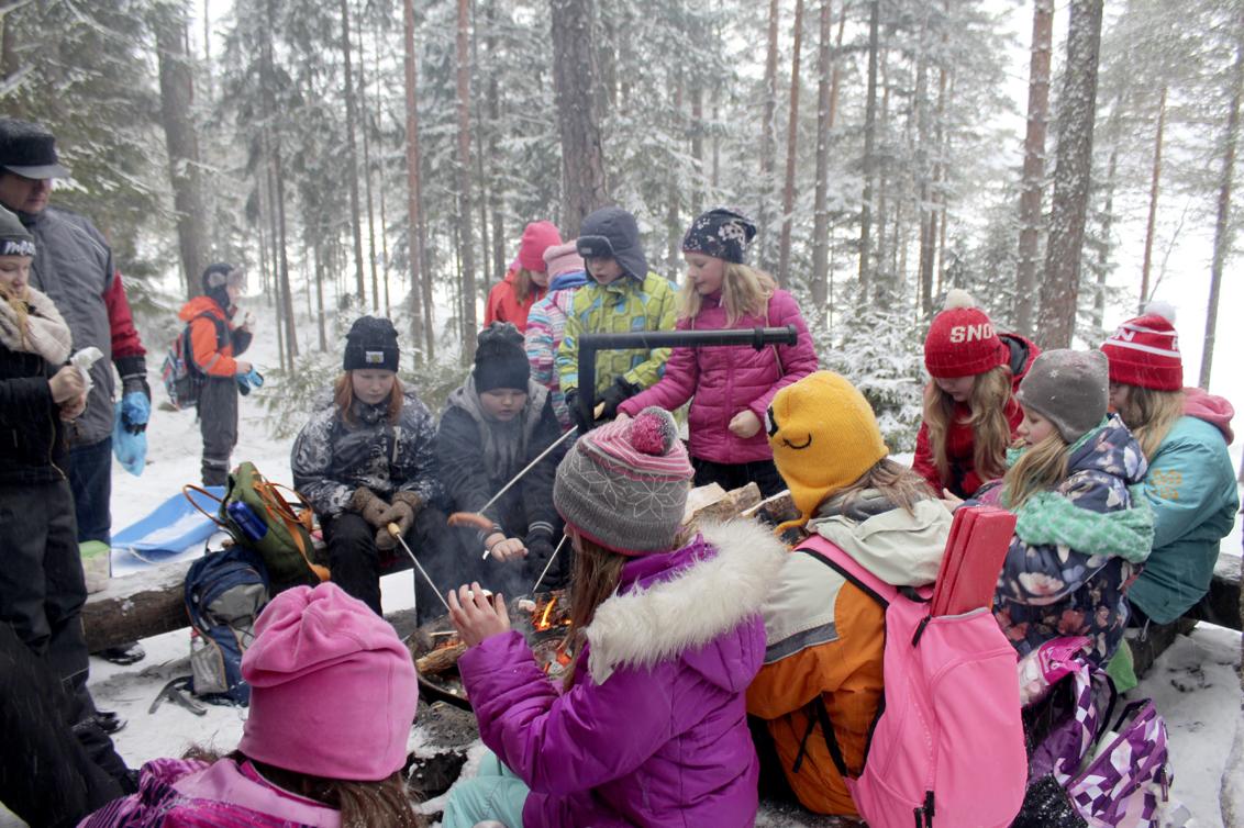 Viialan yhtenäiskoulun oppilaiden kirjoituksia metsäretkestä Kirskaanniemeen