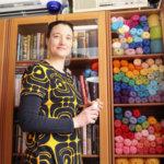 Johanna Nuorela tekee täydellisiä käsitöitä karkkiväreissä