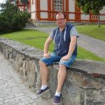 """""""Viialan teatteria on hankala löytää"""", kirjoittaa lukijamme, ja Arto Mantela vastaa"""