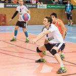 Antti Poikela ja Dmitri Borichev Akaa-Volleyn paitaan
