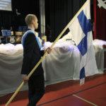 Suomen liput hulmuamaan!