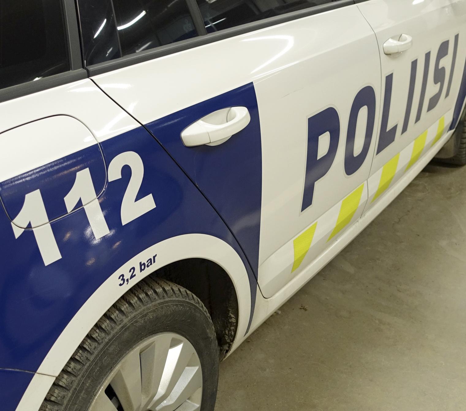 Päihtynyt mopoilija kaatui ja loukkaantui  Poliisi ei...