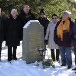 Veljeskansan auttajien muistolle kukat Viron itsenäisyyspäivänä