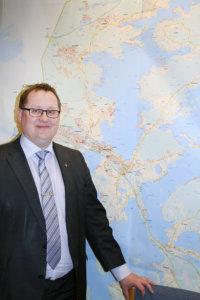 Kangasalan kaupunginjohtaja Oskari Auvinen toivoisi, ettei Suomessa toistettaisi Ruotsin tekemiä virheitä.