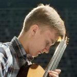 Sibelius-Akatemiassa opiskeleva Kasperi Leponiemi konsertoi Viialan kirkossa