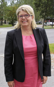 Toimitusjohtaja Elisa Saarisen mukaan Suomen päättäjien on huolehdittava yhteiskunnan ennustettavuudesta sekä poliitikkojen ja politiikan uskottavuudesta.