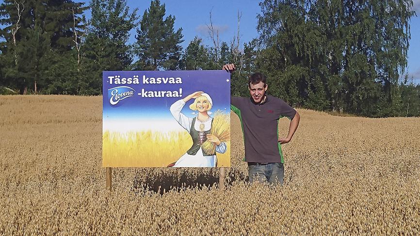 Ylöjärveläinen maanviljelijä Ville Koivuniemi on Elovena-sopimusviljelijä.