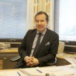 Sitoutumaton virkamies on neutraali valmistelija – Kaupunginjohtaja Peltola ei ole minkään puolueen jäsen