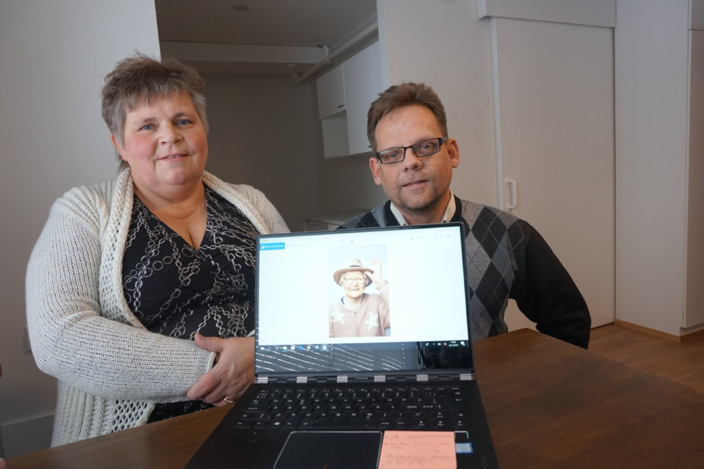 Hoivayrittäjät Riikka ja Petteri Salakari vaativat hoiva-alalle laadunvarmistusjärjestelmän, jonka on oltava akkreditoidun sertifiointilaitoksen auditoima.