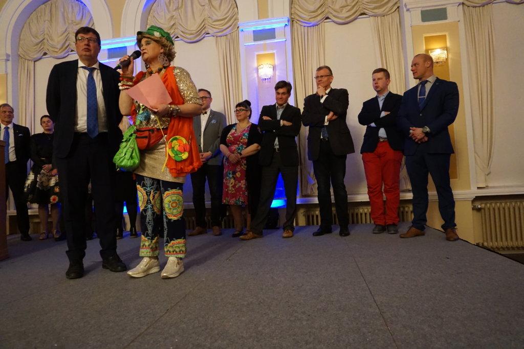 Arto Satonen on ollut jo pirkanmaalaisten edustajana eduskunnassa 16 vuoden ajan. Sastamalainen Satonen uskoo, että hän voisi toimia kansanedustajana  vielä ainakin toisen mokoman. (Kuva: Matti Pulkkinen)