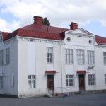 Arvo Ylpön koulun kivikoulu.