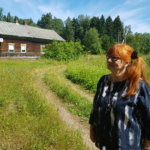 Sina Kujansuu löysi mummolansa Marjalanniemestä – käkisalmelainen Nikolai haki kartan kotoaan ja taksari Volodja keksi reitin perille