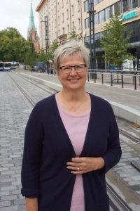 Toimitusjohtaja Pirkko Ahosen mukaan Aito Säästöpankin vahvassa kasvussa olevat tunnusluvut viestivät siitä, että rahalaitos on onnistunut monen vuoden ajan muun muassa uusasiakashankinnassaan. Hänen mukaansa toimialan pitäisi löytää viisastenkivi siihen, miten asiakkaat aktivoituisivat tileillään lepäävien rahojen tuottavaan sijoittamiseen. (Kuva: Matti Pulkkinen)
