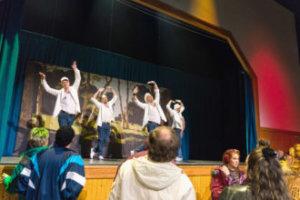 Toijalan hunajainen kaupunki saa mahtavan mainospläjäyksen TTT:n Suurella näyttämöllä menevässä Poikabändi-musikaalissa. (Kuva: Kari Sunnari)