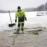 PIRKANMAAN AINOA JÄÄSAUNA: Urkin Piilopirtillä odotetaan pakkasia ja jääpeitettä järveen, jotta suosittu palvelu saataisiin avattua