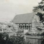 Valokuvia kirkon arjesta ja rakentamisesta kaivataan – Viialan kirkon valokuvista näyttely kirjastoon ja seurakuntasaliin