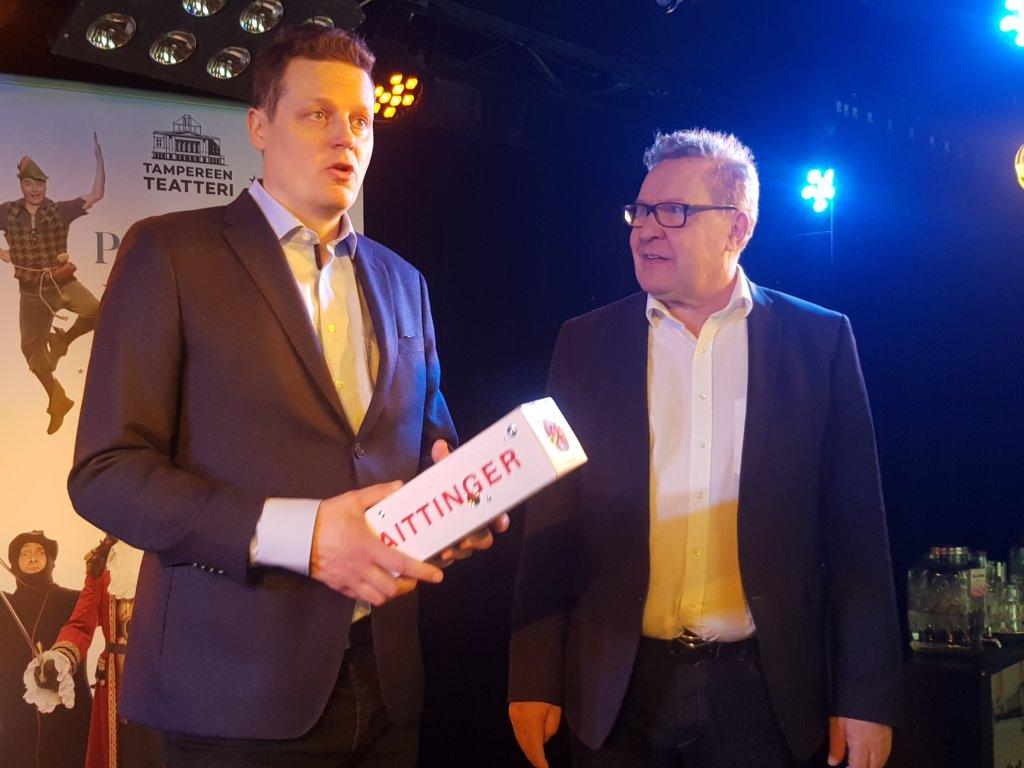 Reino Bragge (oik.) jää eläkkeelle 1. heinäkuuta tänä vuonna. Mikko Kanninen aloittaa teatterinjohtajana ja toimitusjohtajana 1. elokuuta. (Kuva: Matti Pulkkinen)