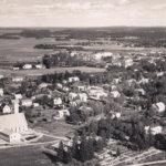 Ilman seurakuntaa ja uutta kirkkoa ei olisi Viialaa – Akaan kirkkoherra Karl Troberg sai hajanaiseen taajamaan rukoushuoneen