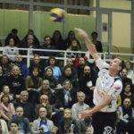 Lentopallosta lomaa pitänyt Joni Mikkonen on treenannut ravihevosta – Ura Akaa-Volleyssa jatkuu, myös Aleksi Kaatrasalo pysyy seurassa