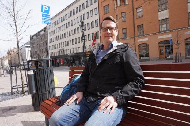 Pirkanmaalainen sosiaali- ja terveydenhuolto saavat pian uuden suunnan. Maakunnan kunnissa on parhaillaan lausuttavana järjestämissuunnitelma, joka linjaa yhteiset tavoitteet ja toimintamallit aina vuoteen 2025 saakka. Historiallista hanketta koordinoi Tampereen kaupungin suunnittelupäällikkö Mika Vuori. (Kuva: Matti Pulkkinen)