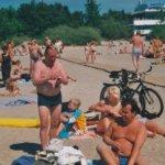 Ajelua merenpohjassa ja sulavalla asfaltilla – Viron kesä on tarjonnut erikoisia elämyksiä Akaan Seudun Suomi-Viro Seuralle jo lähes 30 vuotta