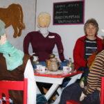 Nahkalinnan päiväkodin 30-vuotisjuhlat peruuntuivat, mutta historia näkyy alakerran näyttelyssä