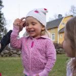 Vanhat ja uudet leikit tutuiksi! – Kesän leikkipankista löytyy tekemistä monelle säälle