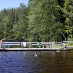 Uimaopetus on vähissä Akaan kouluissa – Ainoan opetussuunnitelmassa nimeltä mainitun taidon tuntimäärät minimissä