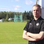 Akaalainen Kalle Kohonen jatkaa FC Hakan maalivahtina ainakin kaksi vuotta – Perinteikäs koskilaisseura varmisti liigapaikkansa torstaina