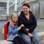 Arvo Ylpön koulun ekaluokkalainen Miiju Suojapuro uskoo muistavansa ensimmäisen koulupäivänsä pitkään