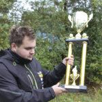 Toni Lähteenmäki ajoi V8 Thunder -luokan Suomen mestariksi – Koko ikänsä varikolla pyörinyt rata-autoilija on joutunut luopumaan yhdestä haaveestaan