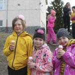 Jätskit ja pukupäivä juhlistivat Nahkialan koulun vappua