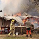 Tuli tuhosi kaksi rakennusta maan tasalle Viialassa